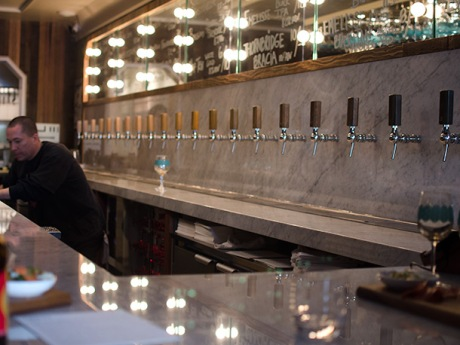 Tiered taps reflecting the ale strengths at Torst
